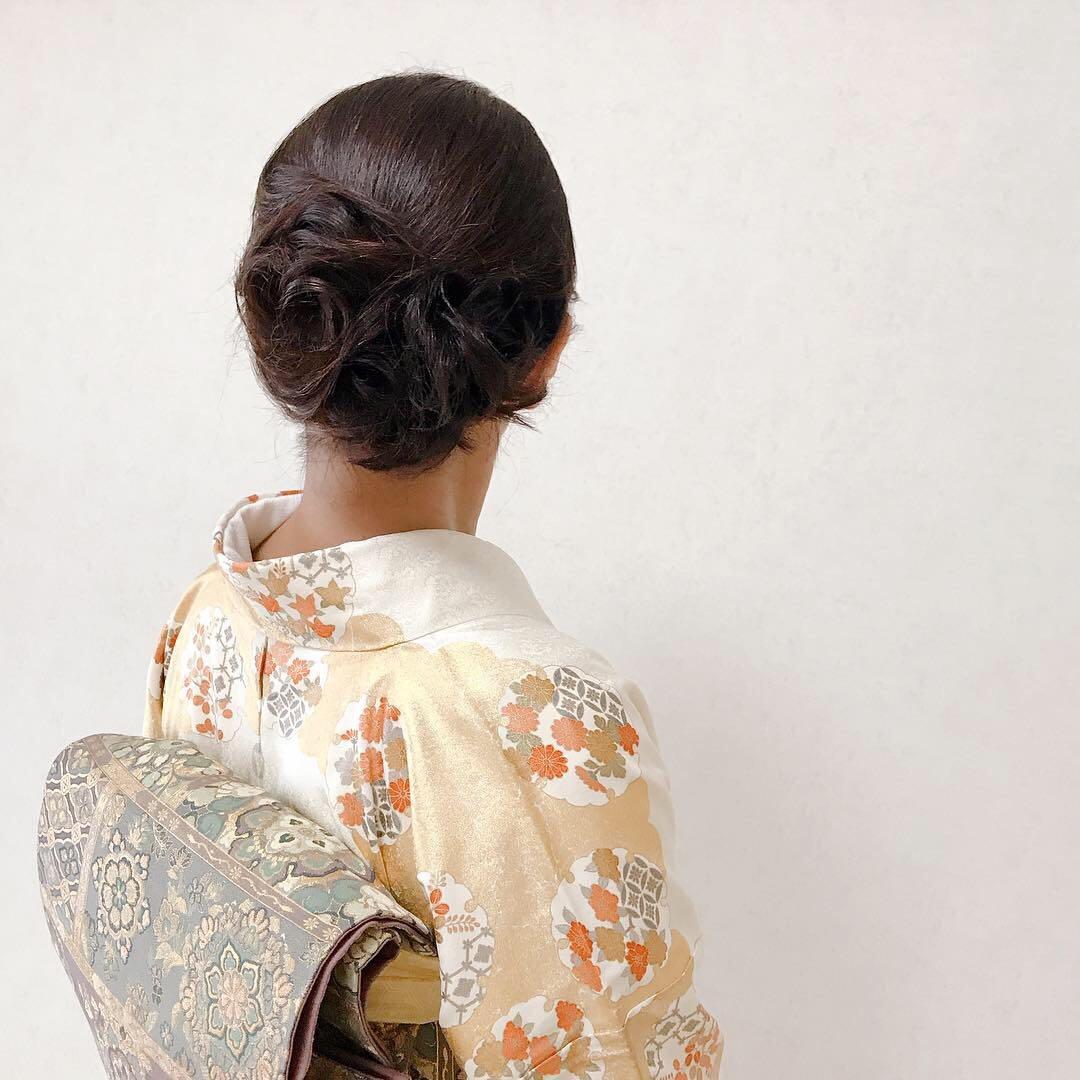 Moriyama  Mamiさんのヘアスタイルの写真。テーマは『ショートボブ、ショートボブアレンジ、ボブ、ボブアレンジ、ミディアムボブ、二次会、福岡ヘアセット、天神、ヘアアレンジ、ヘアセット、Threekeys、スリーキーズ、着物、福岡ヘアサロン、着物ヘア、和装ヘア、プレ花嫁、ヘアセット専門店、和装ヘアアレンジ、女子会、着物レンタル、結納、前撮り、結婚式お呼ばれ、kimono、早朝ヘアセット』