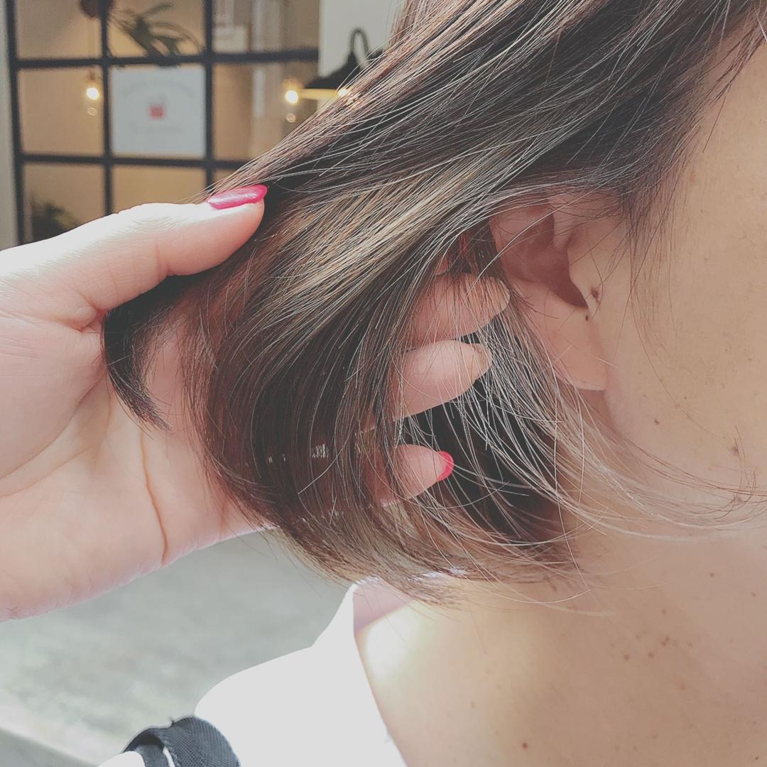 浦川 由起江さんのヘアスタイルの写真。テーマは『インナーカラー、ボブ、外国人風カラー、アッシュグレージュ、プライベートサロン』