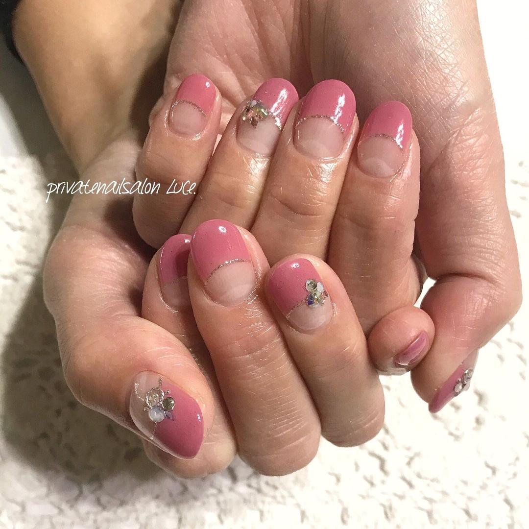 private nail salon Luce.さんのネイルデザインの写真。テーマは『ネイル、ジェルネイル、nail、nailart、💅、nailist、大人ネイル、大人可愛い、シンプル、フレンチ、逆フレンチ、pink、ストーン、おまかせネイル、美爪、艶、お客様ネイル、Nailbook、tredina、nailistagram、奈良、🏡、自宅サロン、お家ネイル、Luce.』