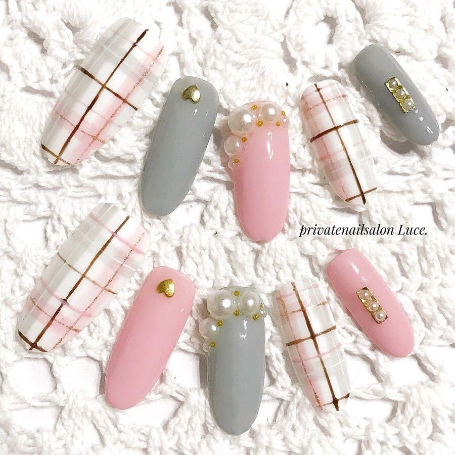 private nail salon Luce.さんのネイルデザインの写真。テーマは『ピンク、グレー、チェック、オーダー、受付開始、nail、nailist、gel、gelnail、nailchip、冬ネイル、冬デザイン、winter、モテネイル、パール、pink、gray、オーダーネイル、ラクマ、メルカリ、ショッピーズ、販売中、Luce.』