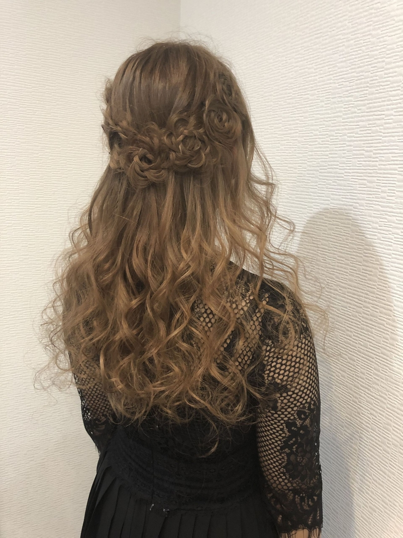 平原さんのヘアスタイルの写真。テーマは『宮崎市ヘアセット、宮崎市、ヘアセット専門店、セットサロン、ヘアセット、ヘアアレンジ、ハーフアップ、薔薇ヘアー、お花ヘア、編み込みアレンジ、結婚式ヘアアレンジ、薔薇ヘア、編み込みヘア、宮崎、hair、hairset、宮崎セット、hairarrange、宮崎美容室、宮崎市STELLA、宮崎市セットサロン、編み込み、宮崎市成人式、宮崎県、ハーフアップアレンジ、宮崎市セット、お呼ばれヘア、宮崎市ステラ、宮崎ヘアセット、宮崎市結婚式』