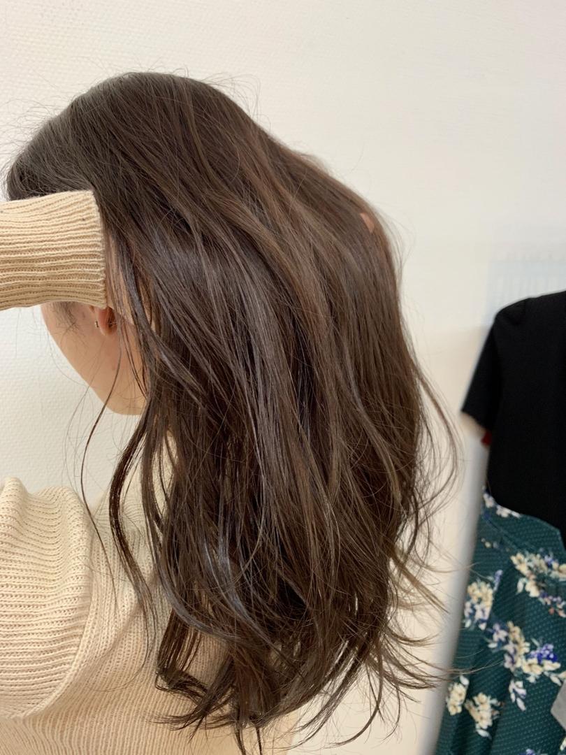 keisuke.iさんのヘアスタイルの写真。テーマは『ブリーチカラー、ハイライト、バレイヤージュ、ブルージュ、グレージュ』