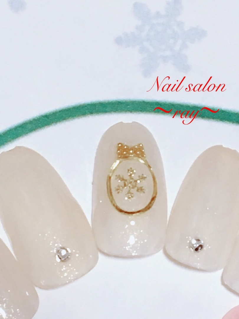 Rayさんのネイルデザインの写真。テーマは『雪の結晶、冬ネイル、クリスマスネイル、ブローチネイル、南林間ネイル、中央林間』