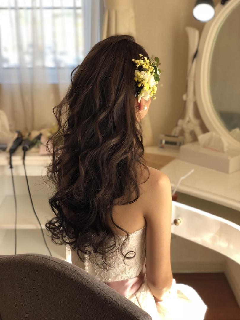 平原さんのヘアスタイルの写真。テーマは『宮崎市ヘアセット、宮崎市、ヘアセット専門店、セットサロン、ヘアセット、ヘアアレンジ、白ドレス、披露宴ヘア、披露宴スタイル、宮崎ウェディング、ブライダルヘア、結婚式、結婚式ヘアアレンジ、結婚式ヘア、ウェディングドレス、ダウンスタイル、結婚式髪型、宮崎、hair、hairset、hairstyle、hairarrange、宮崎県、宮崎市STELLA、宮崎市ステラ、宮崎市セット、挙式スタイル、アレンジヘア、ダウンスタイルアレンジ』