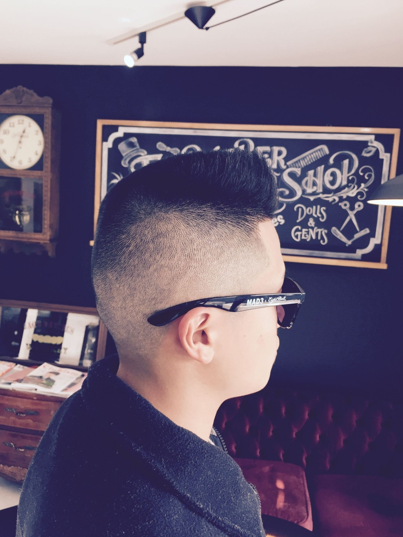 バーバースピークイージーさんのヘアスタイルの写真。テーマは『金沢市、スキンフェードカット、金沢バーバー、金沢駅周辺、金沢市理容室、金沢市床屋、金沢市メンズカット、金沢市フェードカット、金沢市バーバースタイル、金沢市夜遅くまで営業、金沢市barber、金沢市barbershop、金沢バーバースタイル、金沢市バーバーショップスピークイージー、金沢市ポマード、金沢市バーバーショップ、金沢市スキンフェード、野々市スキンフェード、小松市スキンフェード、白山市スキンフェード』