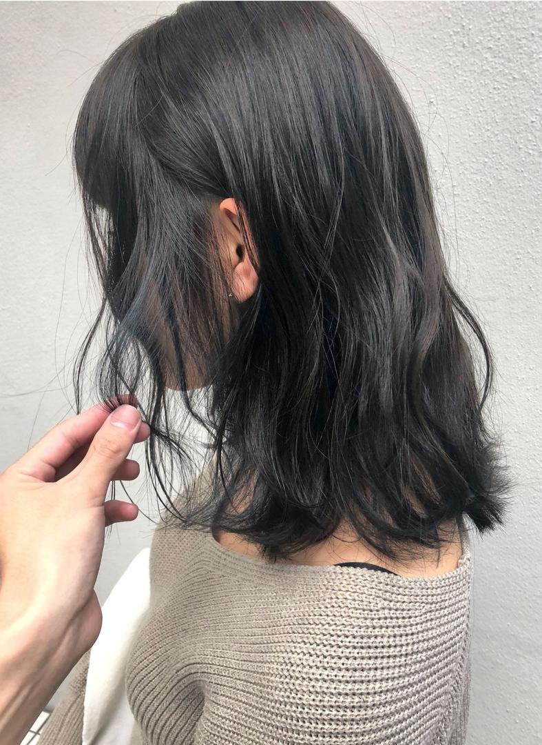 ryosukeさんのヘアスタイルの写真。テーマは『float梅田、ヘアスタイル、fashion、ヘアセット、hair、haircolour、髪型、ヘアカラー、カラー、外国人風、関西サロモ、グレーアッシュ、梅田、簡単ヘアアレンジ、ゆるふわ研究家、デザインカラー、外国人風カラー、ヘアカタログ、ヘアカタ、グレージュ、ショートヘア、バレイヤージュ、ハイライト、インナーカラー、エモい、ブリーチ、パーマ、スタイリング、デジタルパーマ、ミディアム』