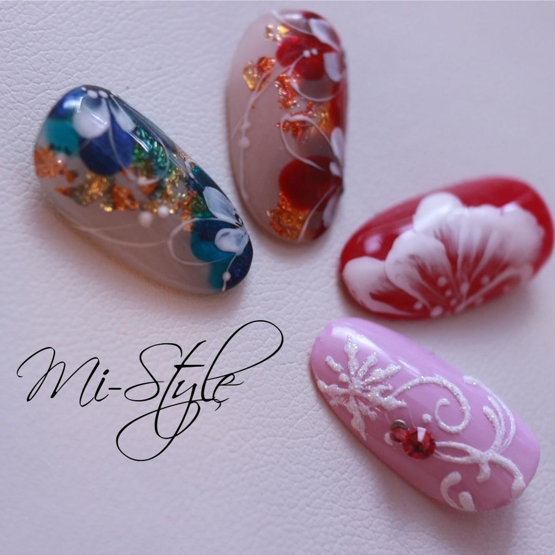 Mieko Hiramatsuさんのネイルデザインの写真。テーマは『お正月ネイル、和ネイル、フラワーネイル、奥行き、雪の結晶ネイル』