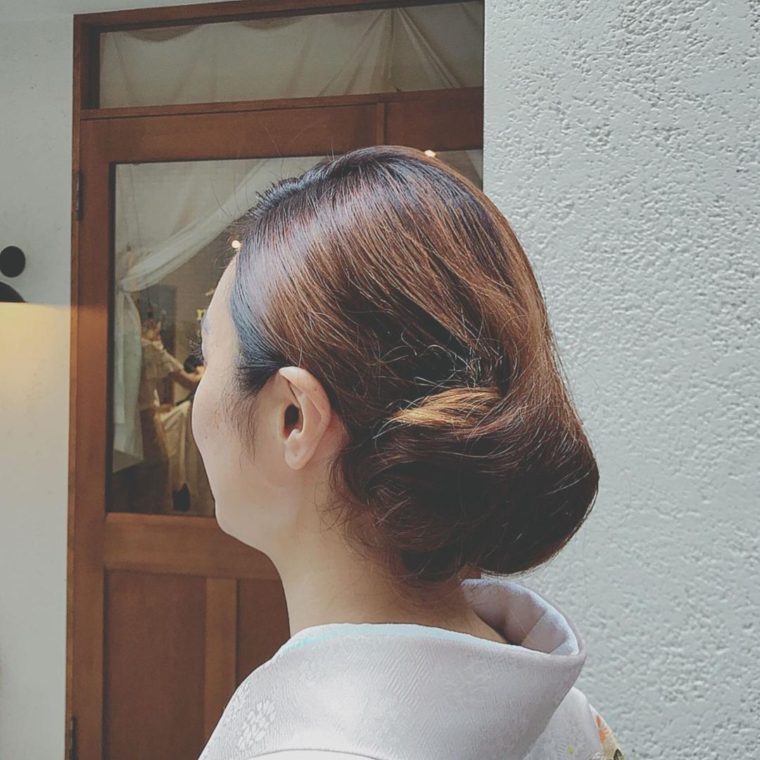 浦川 由起江さんのヘアスタイルの写真。テーマは『レトロ、着物ヘア、着物アレンジ、ヘアアレンジ、プライベートサロン』
