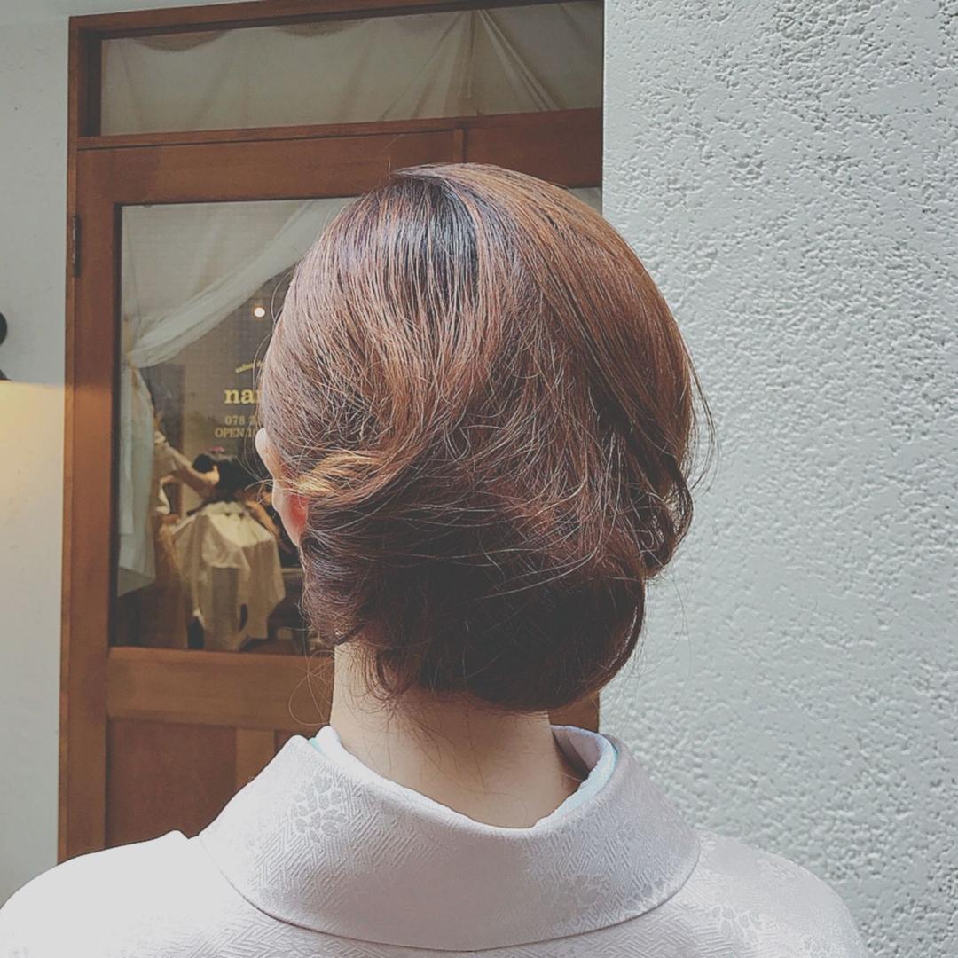 浦川 由起江さんのヘアスタイルの写真。テーマは『着物ヘア、ヘアアレンジ、プライベートサロン』