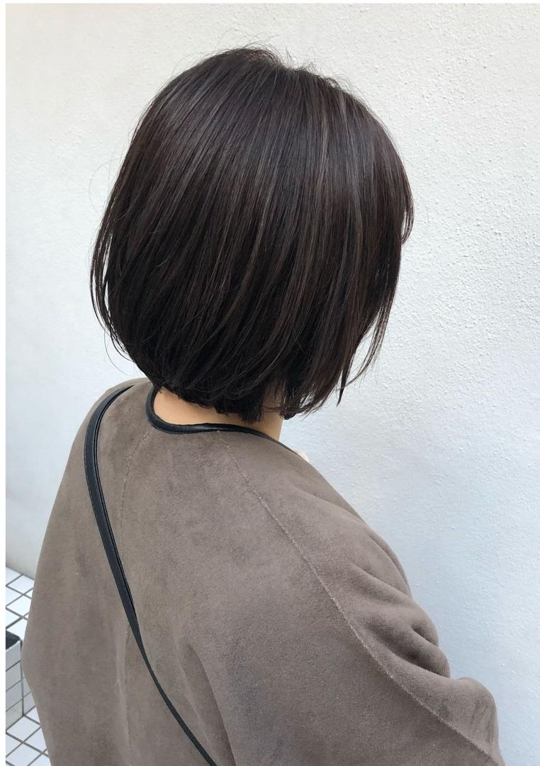 ryosukeさんのヘアスタイルの写真。テーマは『梅田、簡単ヘアアレンジ、編み込み、編みおろし、スタイリング、パーマ、ブリーチ、インナーカラー、バレイヤージュ、ハイライト、ショートヘア、グレージュ、外国人風カラー』