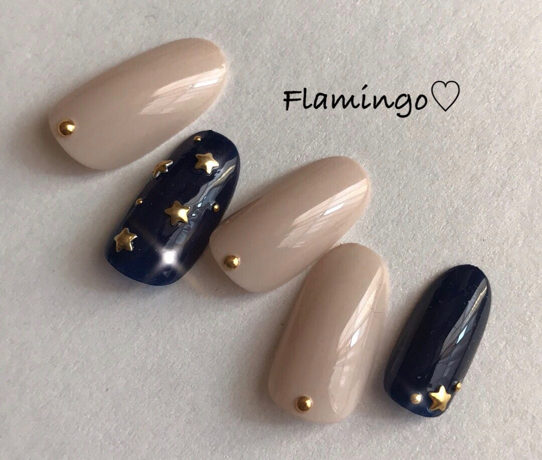 Flamingo♡さんのネイルデザインの写真。テーマは『ネイル、冬ネイル、スター、スターネイル、星、星ネイル、星座ネイル、シンプルネイル、大人ネイル、ワンカラー、ワンカラーネイル』