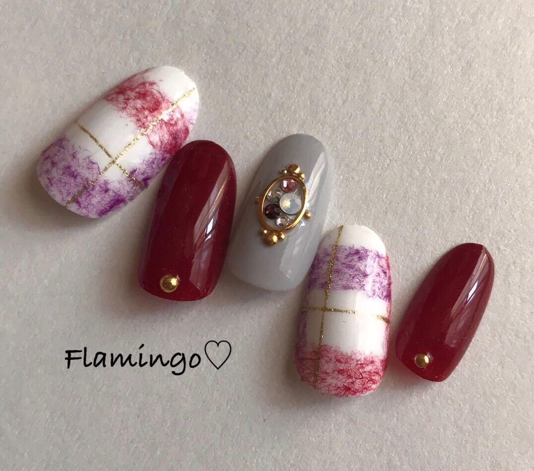 Flamingo♡さんのネイルデザインの写真。テーマは『ネイル、チェックネイルデザイン、ブランケットネイル、ボルドー、マットネイル、冬ネイル、ストーン、ストーンネイル、ビジューネイル、ビジュー、ビジューアート、ストーンアート、バレンタインネイル』