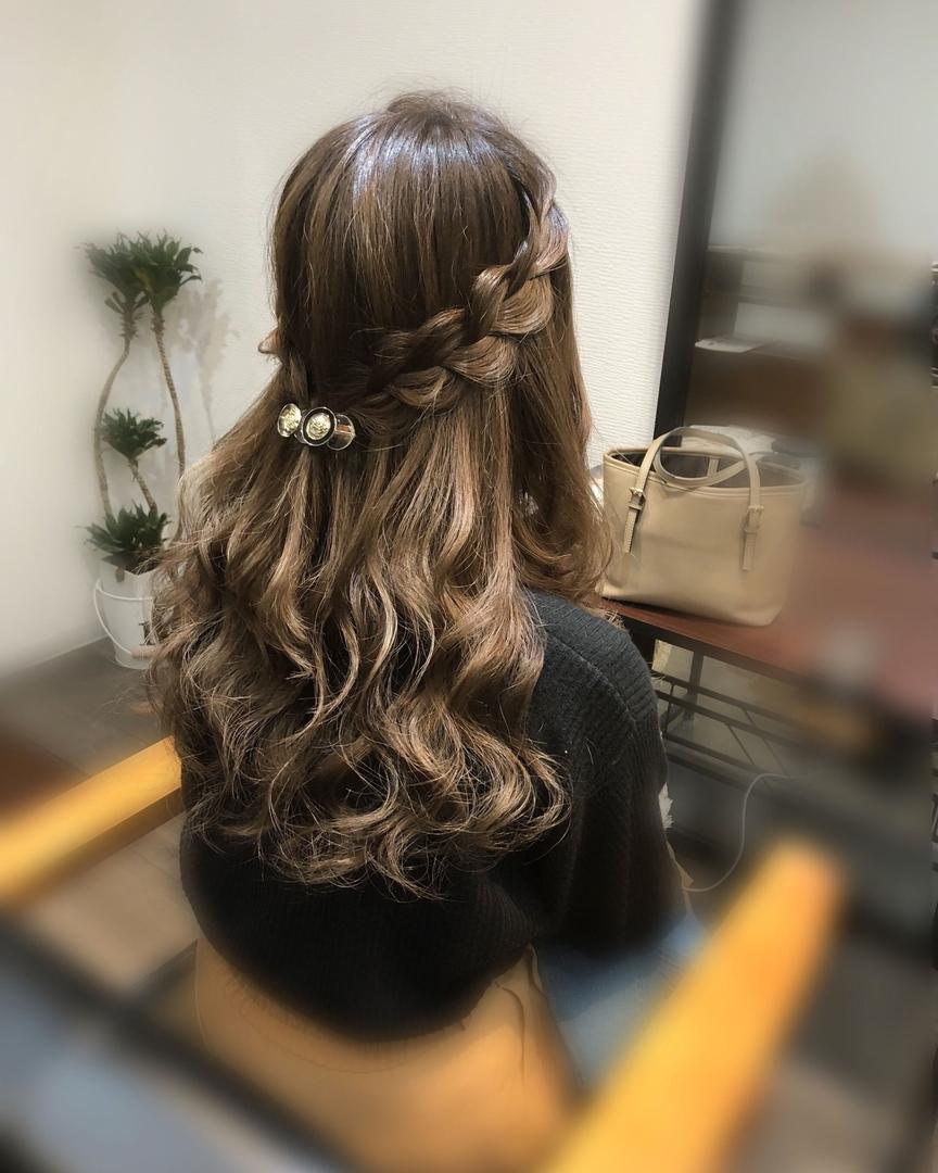 平原さんのヘアスタイルの写真。テーマは『宮崎市ヘアセット、宮崎市、ヘアセット専門店、セットサロン、ヘアセット、ヘアアレンジ、ハーフアップ、ブライダル、ブライダルヘア、編み込みアレンジ、結婚式ヘアアレンジ、結婚式ヘア、編み込みヘア、宮崎、hair、hairset、宮崎セット、hairarrange、宮崎美容室、宮崎市STELLA、宮崎市セットサロン、編み込み、宮崎市成人式、宮崎県、ハーフアップアレンジ、宮崎市セット、お呼ばれヘア、宮崎市ステラ、宮崎ヘアセット、宮崎市結婚式』