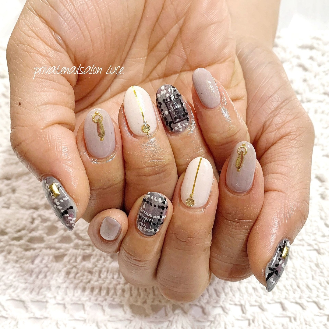 private nail salon Luce.さんのネイルデザインの写真。テーマは『ネイル、ジェルネイル、nail、nailart、nailist、大人ネイル、大人可愛い、HIDEKAZU先生、シンプルネイル、ワンカラー、ブランケット、チェック、艶、お客様ネイル、💅🏻、Nailbook、tredina、nailistagram、奈良、🏡、自宅サロン、お家ネイル、Luce.』