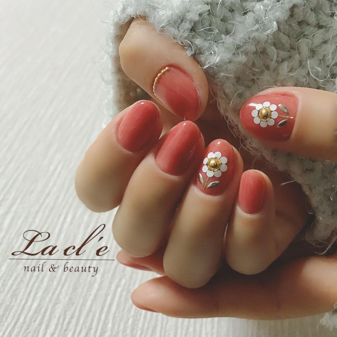 YOSHIさんのネイルデザインの写真。テーマは『花、花ネイル、フラワーネイル』