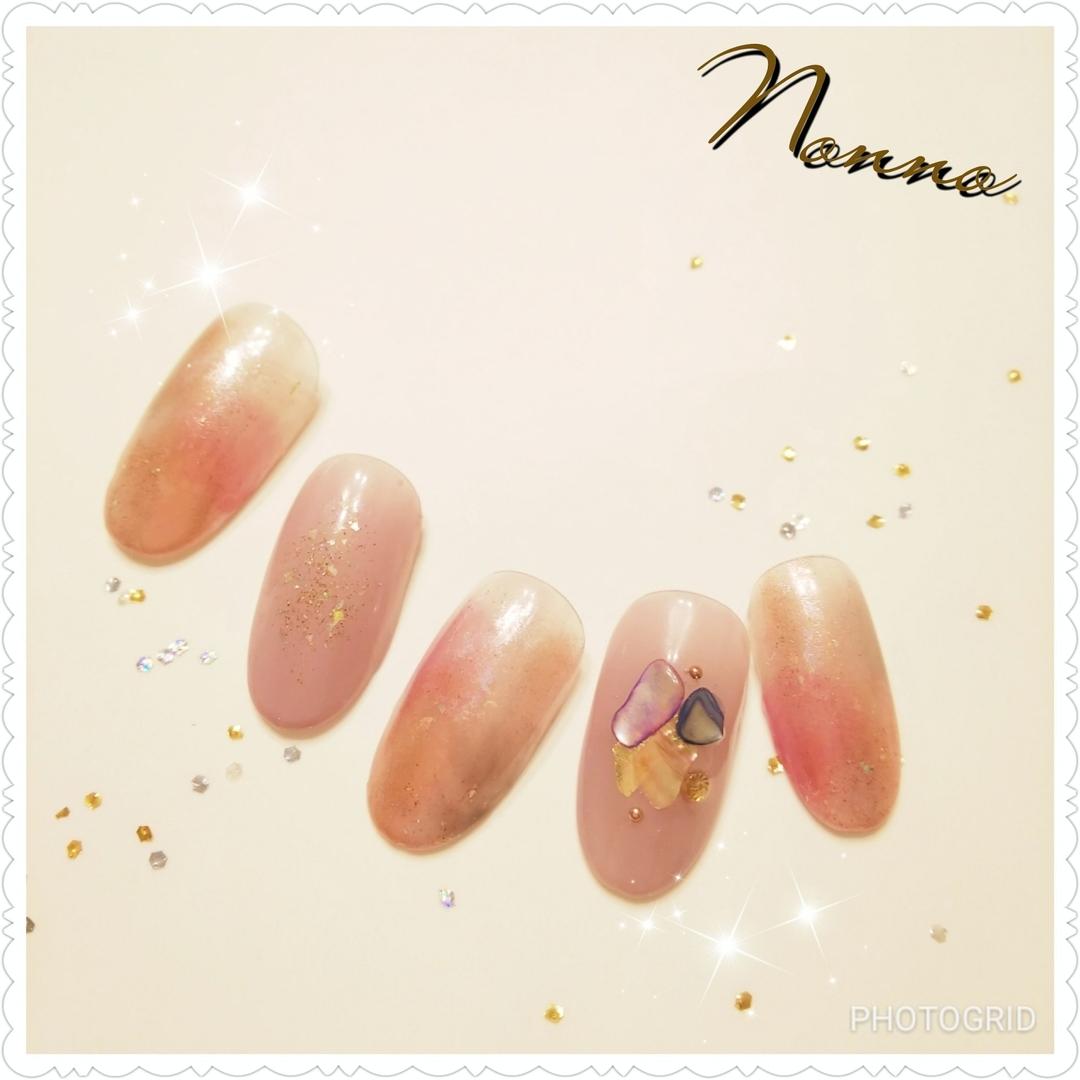 nonnoさんのネイルデザインの写真。テーマは『ミラーネイル、ジェルネイル、ネイル、ネイルサロン、花柄、冬ネイル、新宿ネイルサロン、西新宿、新宿、美甲、指甲、nail、nailart、nailsalon、parajel、パラジェル、自爪を削らない、nails、パラジェル登録サロン、Nonno、nonno、Shinjuku、Japan』