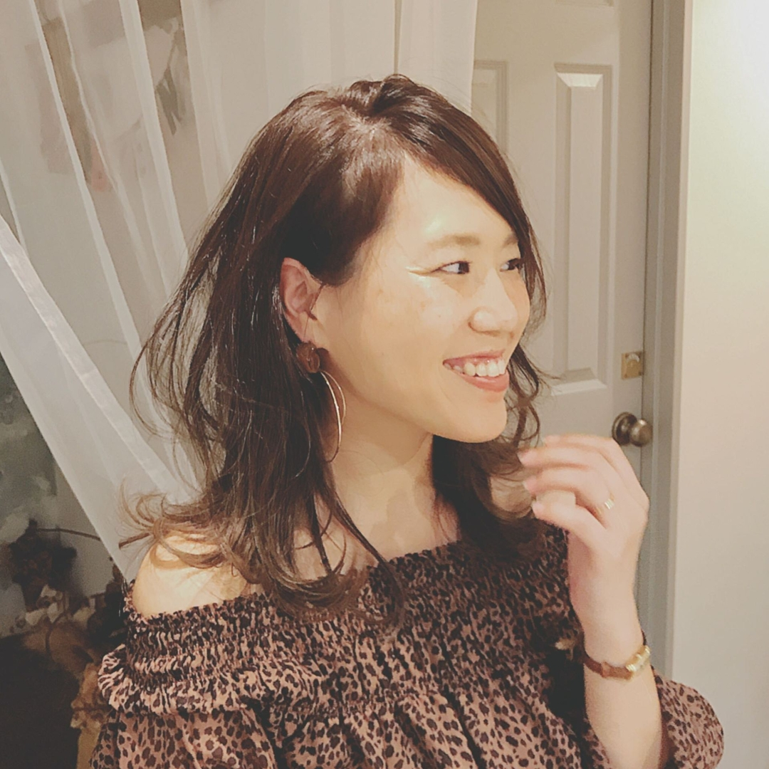 浦川 由起江さんのヘアスタイルの写真。テーマは『無造作ヘア、レイヤー、ミディアム、nanon、プライベートサロン』