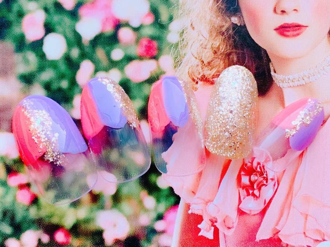 ネイルサロンココアさんのネイルデザインの写真。テーマは『ニュアンスネイル、2019年春ネイル、入間市ネイルサロンココア、華やかネイル、フレンチネイル』