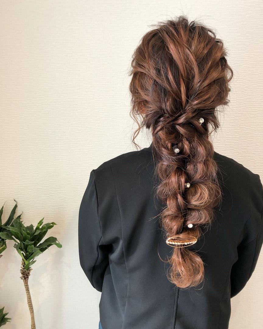 平原さんのヘアスタイルの写真。テーマは『宮崎市ヘアセット、宮崎市、ヘアセット専門店、セットサロン、ヘアセット、ヘアアレンジ、編み下ろし、宮崎セット、ブライダルヘア、宮崎ステラ、結婚式ヘアアレンジ、結婚式ヘア、編み込みヘア、宮崎、hair、hairset、hairstyle、hairarrange、宮崎美容室、宮崎市STELLA、宮崎市セットサロン、宮崎市成人式、宮崎県、編みおろし、宮崎市セット、二次会ヘア、宮崎市ステラ、宮崎ヘアセット、ラプンツェルヘア』