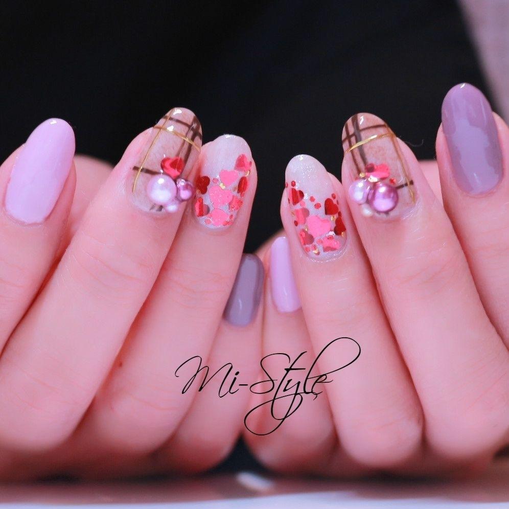 Mieko Hiramatsuさんのネイルデザインの写真。テーマは『女子力、バレンタインネイル、ハートネイル、ハートホロ、チェックネイル、ファーネイル、ボアネイル』