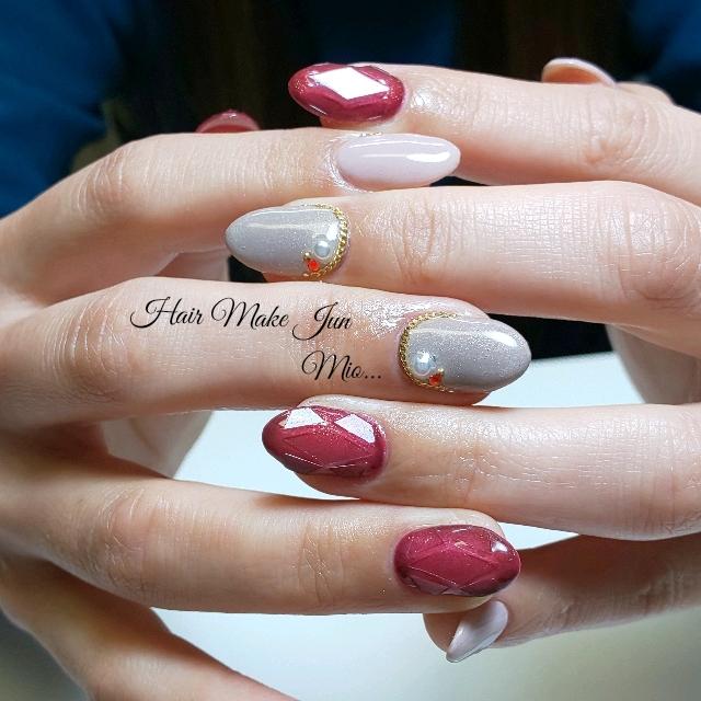nailist.mioさんのネイルデザインの写真。テーマは『シンプル、宝石カットネイル、ワインレッド、大人可愛い、美指、美甲、美爪、HairMakeJun、nailart、nailsalon、nailartist、jelnail』