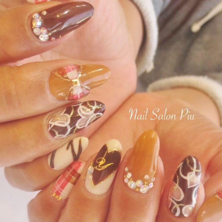 Nail Salon Piuさんの写真。テーマは『バレンタインネイル、チョコネイル、ハートネイル』