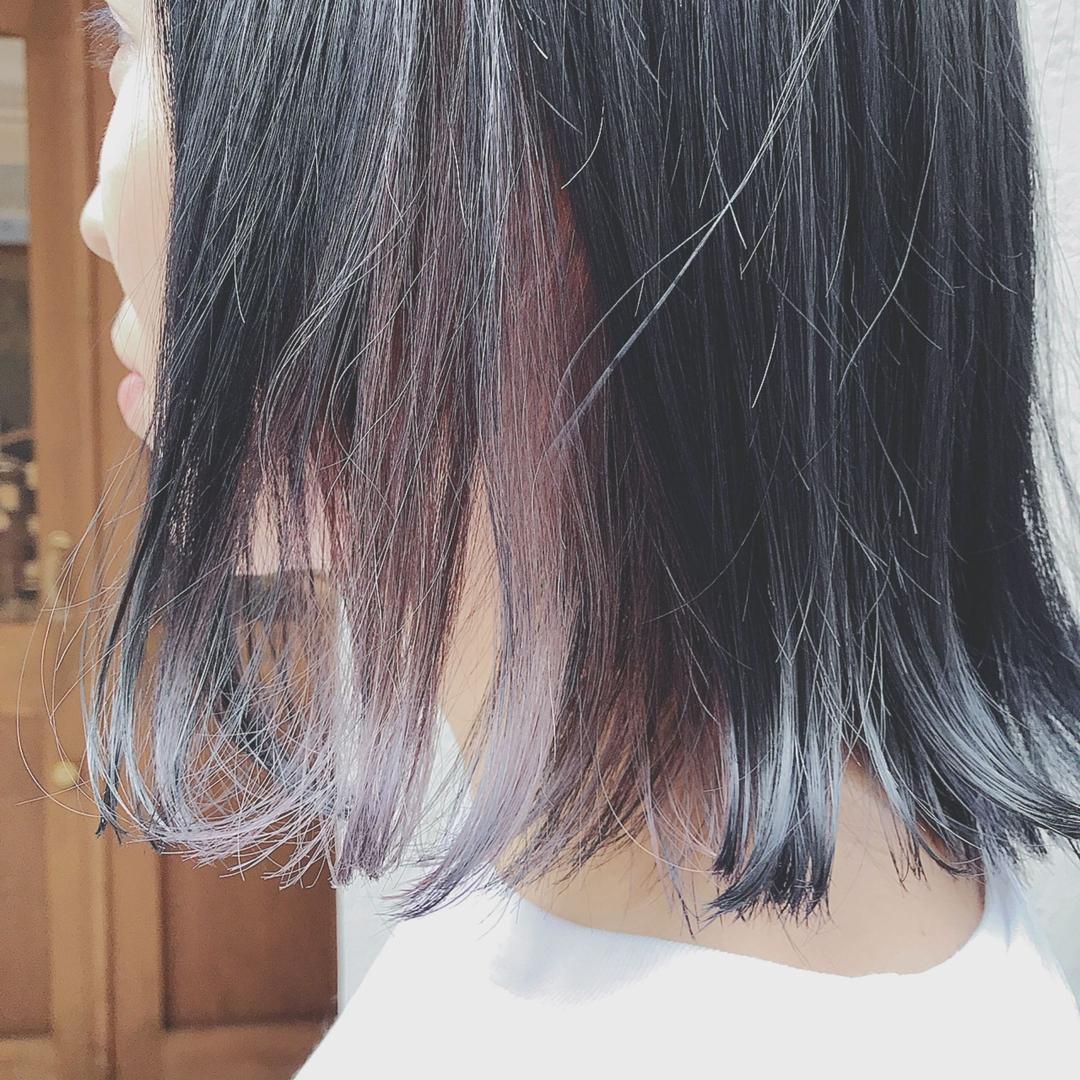 浦川 由起江さんのヘアスタイルの写真。テーマは『アクセサリーカラー、インナーカラー、バイオレット、ブリーチカラー、ファイバープレックス、ケアブリーチ、nanon、プライベートサロン、切りっぱなし、ボブ、切りっぱなしボブ』