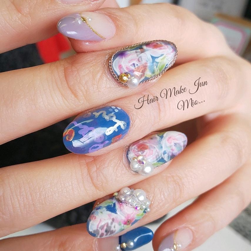 nailist.mioさんのネイルデザインの写真。テーマは『フラワーネイル、手書きアート、マットネイル、ポップネイル、フレンチネイル、パールネイル、HairMakeJun、nailart、nailsalon、nailartist、jelnail、美指、美甲、美爪』
