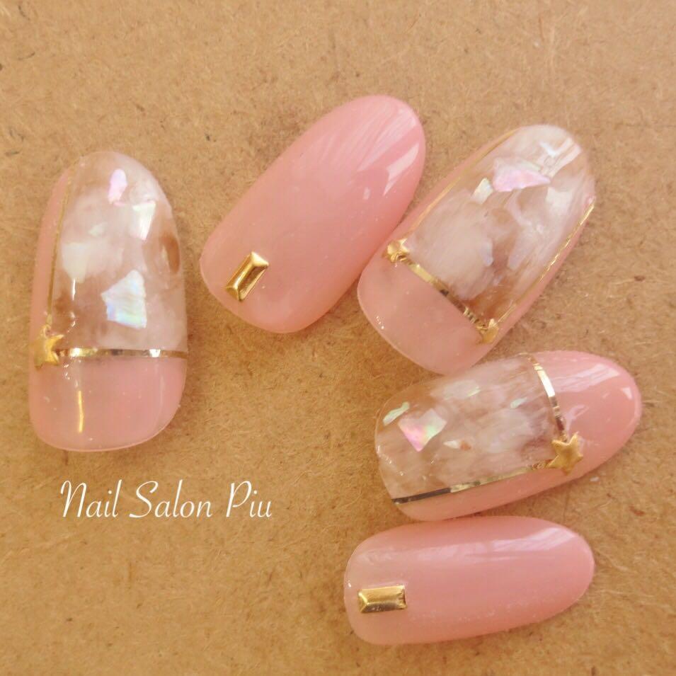 Nail Salon Piuさんの写真。テーマは『春ネイル、ブロッキングネイル』