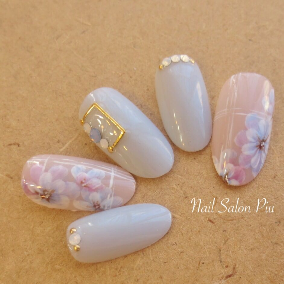 Nail Salon Piuさんの写真。テーマは『フラワーネイル、春ネイル』