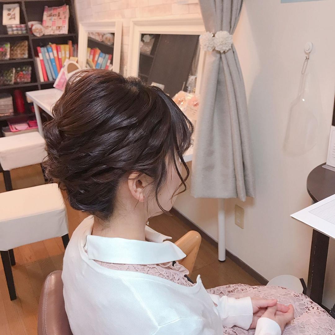 Moriyama  Mamiさんのヘアスタイルの写真。テーマは『ボブアレンジ、ボブヘアアレンジ、ミディアム、ミディアムアレンジ、大人スタイル、着物女子、福岡ヘアセット、天神、ヘアアレンジ、ヘアセット、アップスタイル、Threekeys、スリーキーズ、着物、福岡ヘアサロン、結婚式ヘアアレンジ、ブライダルヘア、着付け、着物ヘア、和装ヘア、プレ花嫁、ヘアセット専門店、和装ヘアアレンジ、女子会、オトナ女子、着物レンタル、前撮り、結婚式お呼ばれヘア、早朝ヘアセット、卒業式』