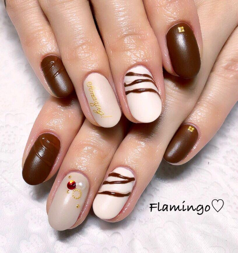 Flamingo♡さんのネイルデザインの写真。テーマは『ネイル、バレンタインネイル、チョコネイル、冬ネイル、チョコレートネイル、トレンドネイル、ハートネイル、セルフネイル、マットネイル、ネイルアート、越谷、越谷ネイルサロン、ママ、ママネイリスト、ネイリスト』