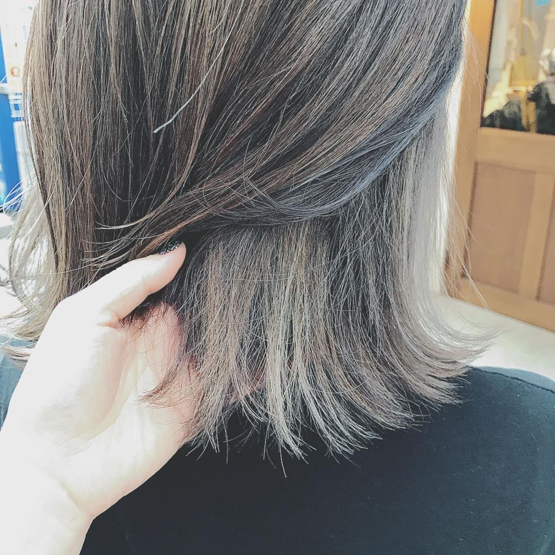 浦川 由起江さんのヘアスタイルの写真。テーマは『外国人風カラー、外ハネ、スロウカラー、ファイバープレックス、ハイライト、アッシュグレー、nanon、プライベートサロン』