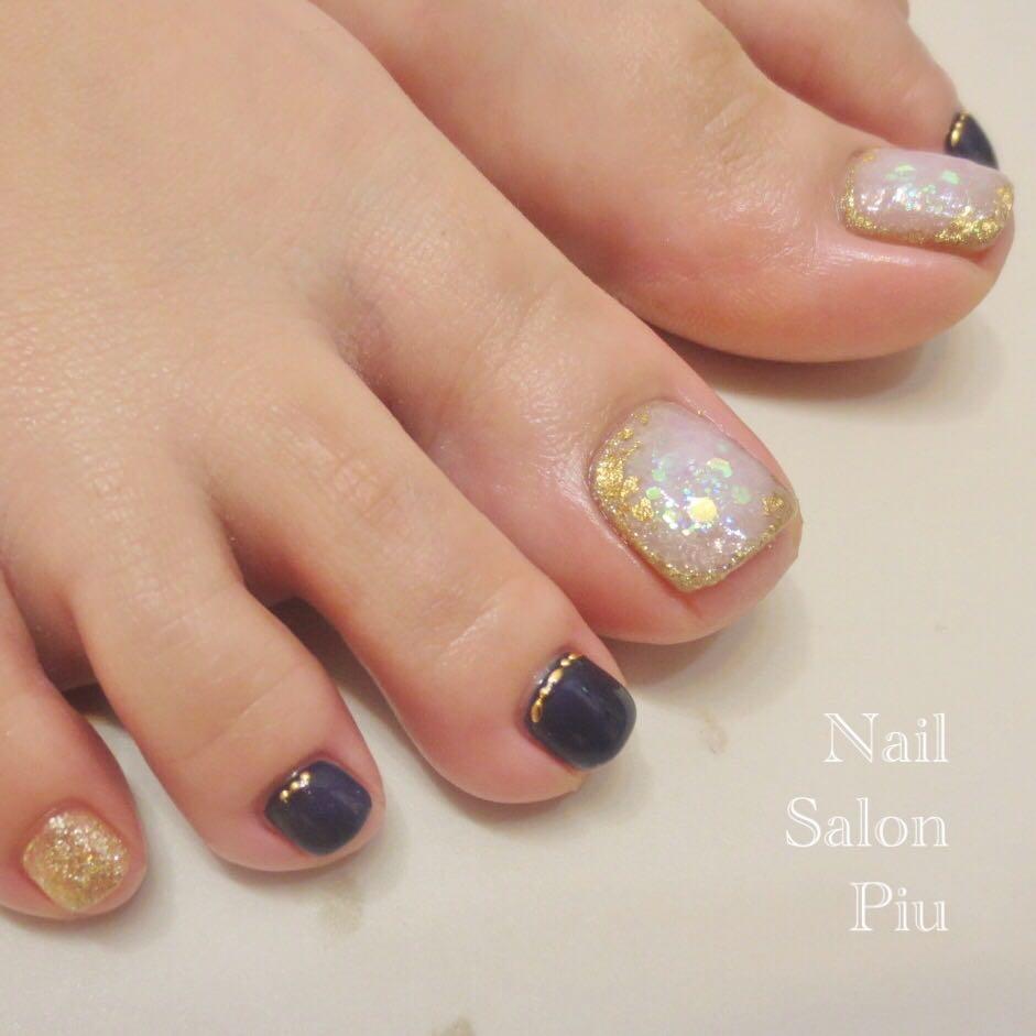 Nail Salon Piuさんの写真。テーマは『フットネイル、大人ネイル』