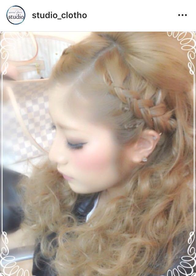 ヒロ(studio-clotho)さんのヘアスタイルの写真。テーマは『京都、祇園、kyoto、セットサロン、京都セットサロン、studioclotho、スタジオクロト、ヒロstudio、プライベートサロン、ヘアアレンジ、ヘアメイク、アーティスト、美容師、ファッション、モデル、カメラ、ナチュラル、ルーズ、エアリー、かわいい、おしゃれ、おしゃれさんと繋がりたい、前髪、編み込み、ふわふわ、ハーフアップ、ブライダル、結婚式、イベント、パーティ』