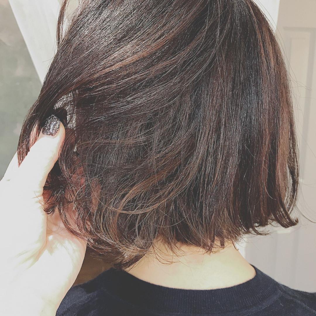 浦川 由起江さんのヘアスタイルの写真。テーマは『ハイライト、ナチュラルハイライト、ブリーチ、プライベートサロン、nanon、アッシュカラー、ファイバープレックス、スロウカラー、ボブ』