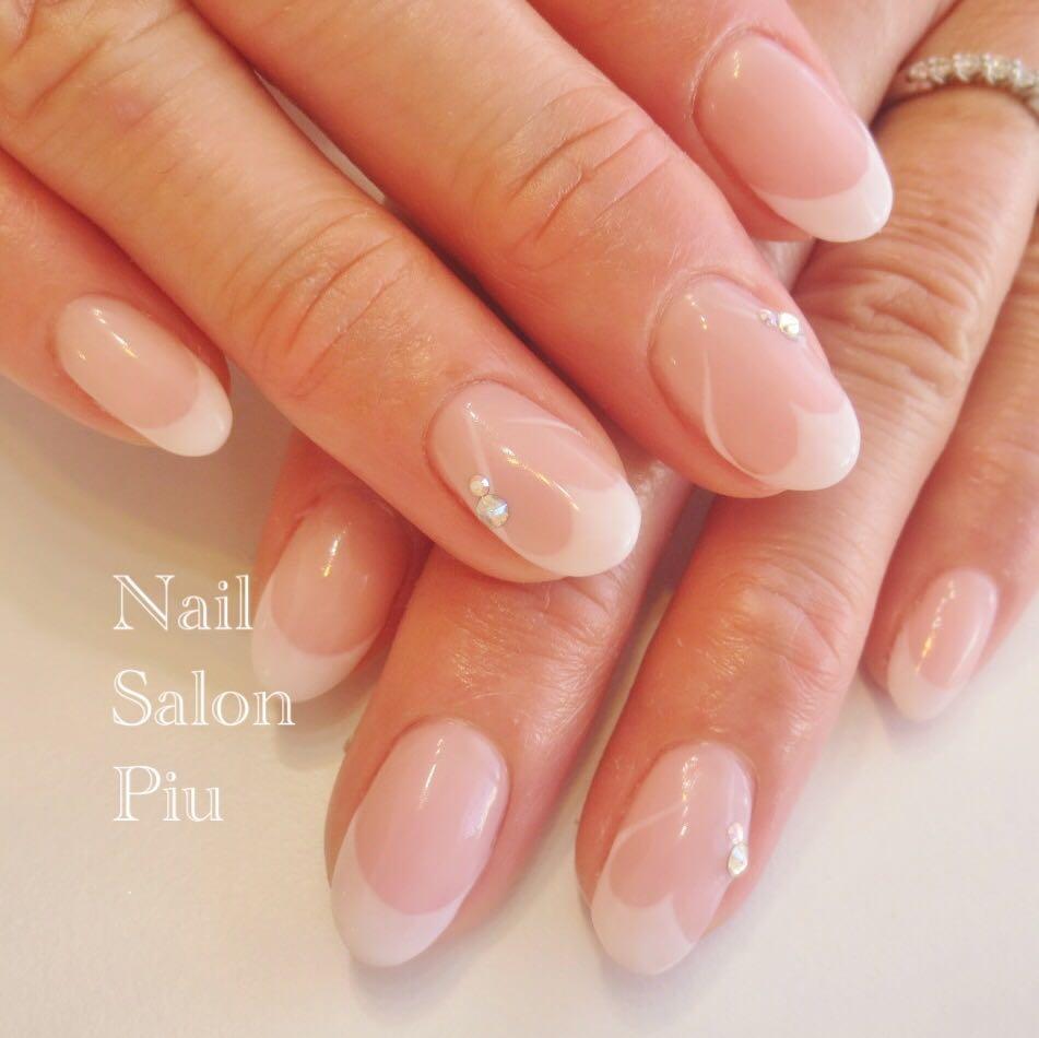 Nail Salon Piuさんの写真。テーマは『フレンチネイル、ハートネイル、シンプルネイル』