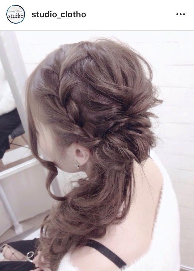 ヒロ(studio-clotho)さんのヘアスタイルの写真。テーマは『京都、祇園、kyoto、セットサロン、studioclotho、スタジオクロト、ヒロstudio、ヘアアレンジ、ヘアメイク、アーティスト、美容師、ファッション、モデル、カメラ、ナチュラル、ルーズ、エアリー、かわいい、おしゃれ、おしゃれさんと繋がりたい、サイド、ブライダル、結婚式、イベント、パーティ、卒業式』