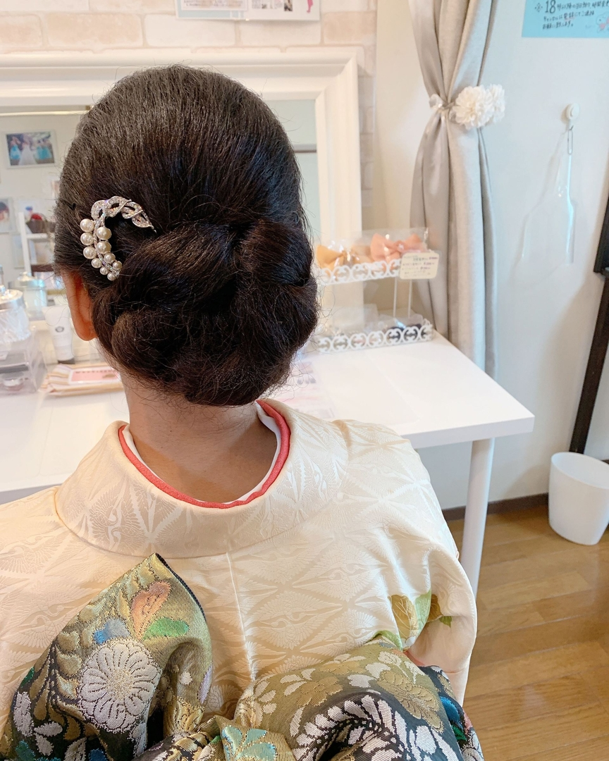 Moriyama  Mamiさんの写真。テーマは『大人スタイル、着物女子、福岡ヘアセット、天神、ヘアアレンジ、ヘアセット、シニヨン、Threekeys、スリーキーズ、着物、福岡ヘアサロン、ブライダル、結婚式ヘアアレンジ、ブライダルヘア、花嫁、着付け、着物ヘア、和装ヘア、プレ花嫁、ヘアセット専門店、和装ヘアアレンジ、女子会、オトナ女子、着物レンタル、前撮り、結婚式お呼ばれヘア、早朝ヘアセット、天然パーマ、黒髪、黒髪ロング』