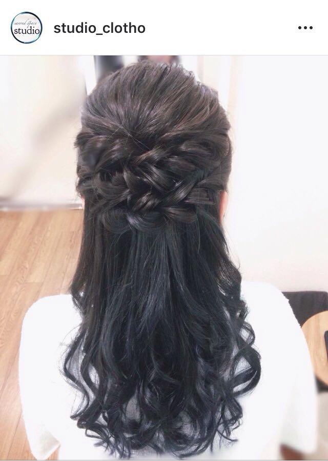ヒロ(studio-clotho)さんのヘアスタイルの写真。テーマは『京都、祇園、kyoto、セットサロン、京都セットサロン、studioclotho、スタジオクロト、ヒロstudio、ヘアアレンジ、ヘアメイク、アーティスト、美容師、ファッション、モデル、カメラ、ナチュラル、ルーズ、エアリー、かわいい、おしゃれ、おしゃれさんと繋がりたい、ハーフアップスタイル、ブライダル、結婚式、イベント、パーティ、黒髪』