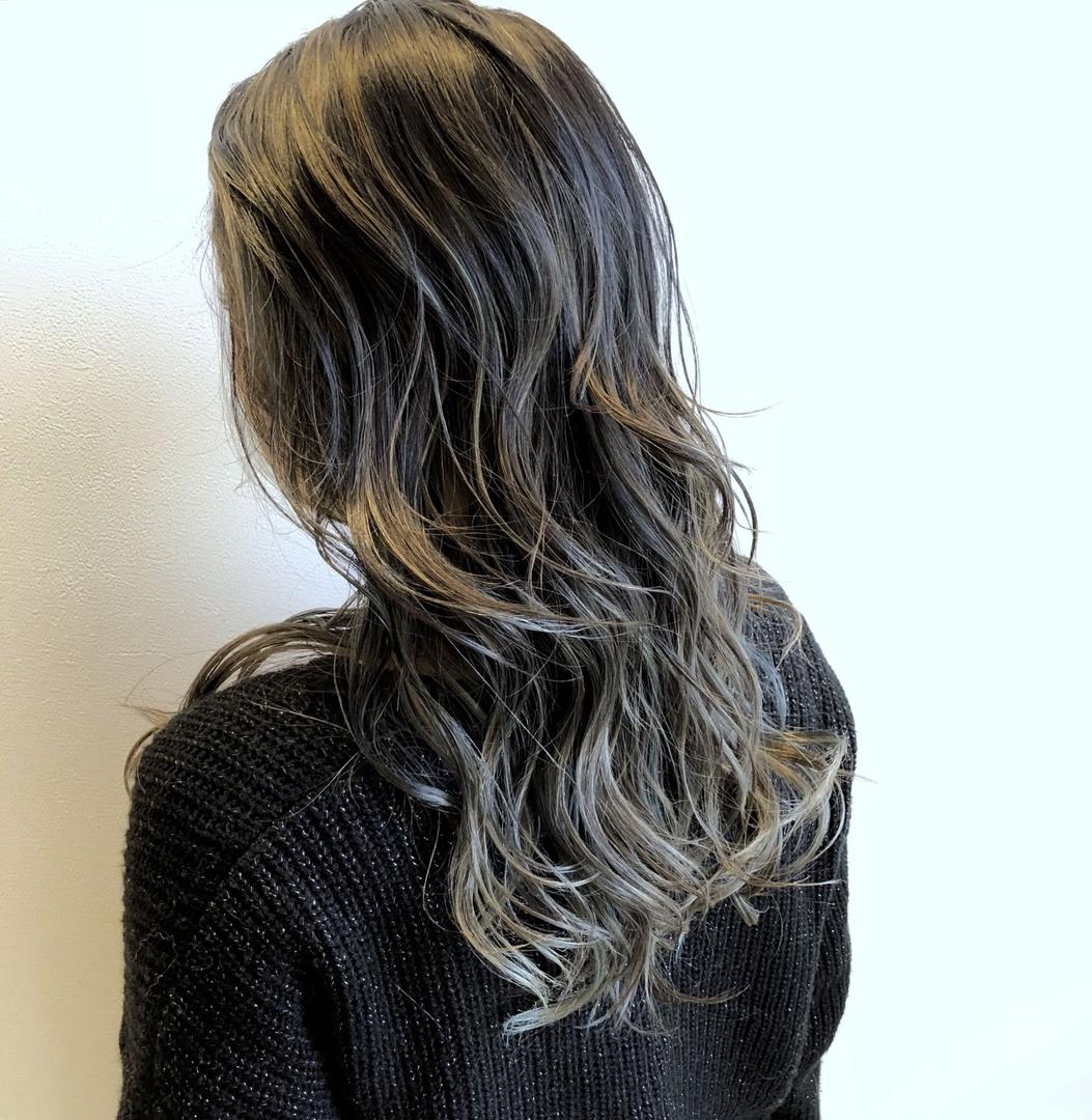 西ケ谷 勇斗さんのヘアスタイルの写真。テーマは『神戸、三ノ宮、美容室、美容師、カット、カラー、ヘアカタ、ヘアアレンジ、サロモ、モード、ハイライト、イルミナカラー、外国人風カラー、グレージュ、highlight、haircut、color、ダメージレスブリーチ、バレイヤージュ、ブルージュ』