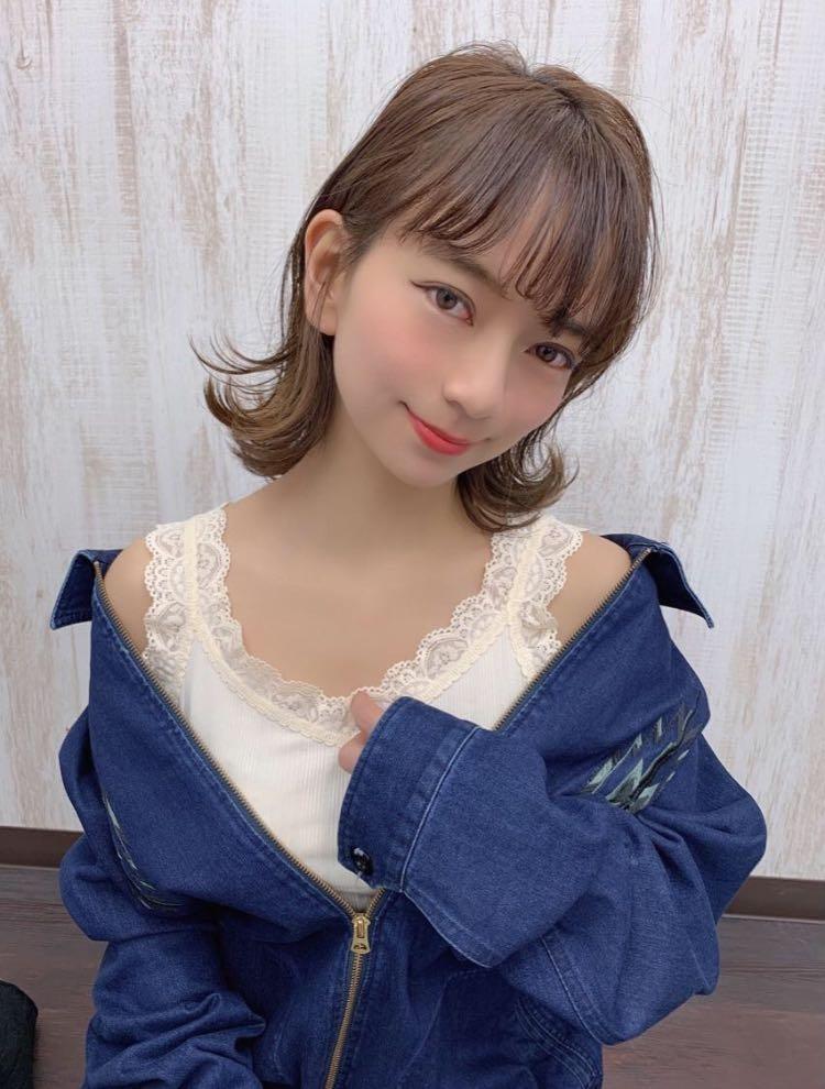 滝田 拳史 【Takita Kenji】さんのヘアスタイルの写真。テーマは『無造作、ミディアム、外ハネ、シルキーベージュ、ベージュ、鎖骨レングス、シースルーバング』