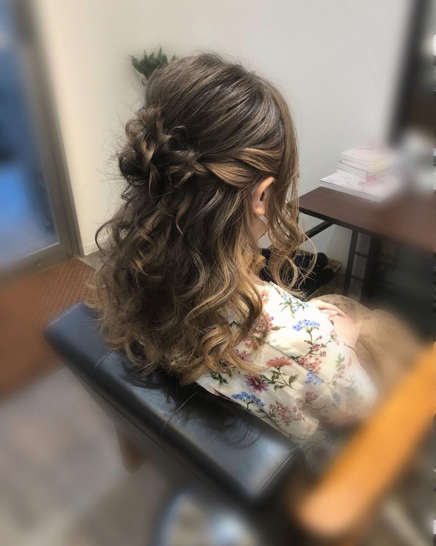 平原さんのヘアスタイルの写真。テーマは『宮崎市ヘアセット、宮崎市、ヘアセット専門店、セットサロン、ヘアセット、ヘアアレンジ、ハーフアップ、ブライダル、ブライダルヘア、結婚式、結婚式ヘアアレンジ、結婚式ヘア、編み込み、宮崎、宮崎市美容室、hairset、宮崎セット、hairarrange、宮崎美容室、宮崎市STELLA、宮崎市セットサロン、ねじりアレンジ、宮崎市成人式、宮崎県、ハーフアップアレンジ、宮崎市セット、アレンジヘア、宮崎市ステラ、宮崎ヘアセット、宮崎市結婚式』