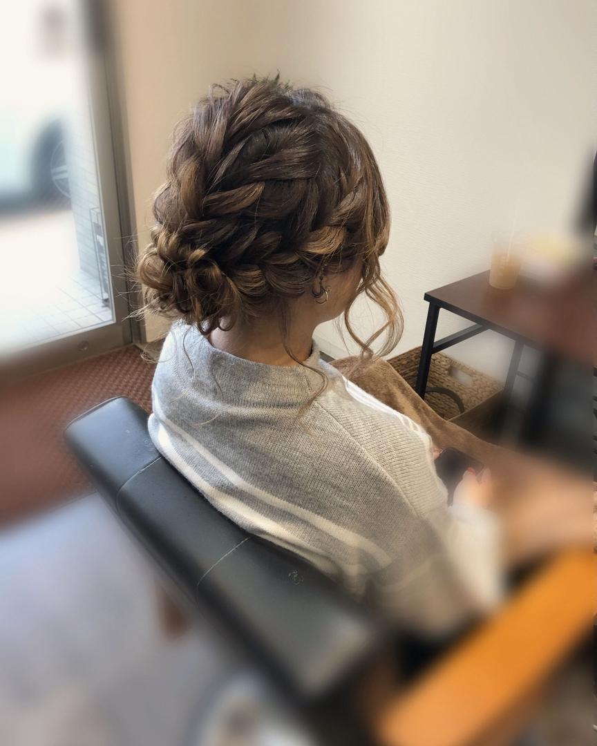 平原さんのヘアスタイルの写真。テーマは『宮崎市ヘアセット、宮崎市、ヘアセット専門店、セットサロン、ヘアセット、ヘアアレンジ、アップ、アップアレンジ、宮崎ヘアセット、ブライダルヘア、宮崎セット、結婚式ヘアアレンジ、結婚式ヘア、アップヘア、編み込みヘア、アレンジ、宮崎、編み込み、hairset、hairstyle、hairarrange、宮崎県、宮崎市STELLA、宮崎市美容室、宮崎市セット、宮崎市ステラ、アップヘアアレンジ、振袖ヘア、成人式ヘア、編み込みアップ』