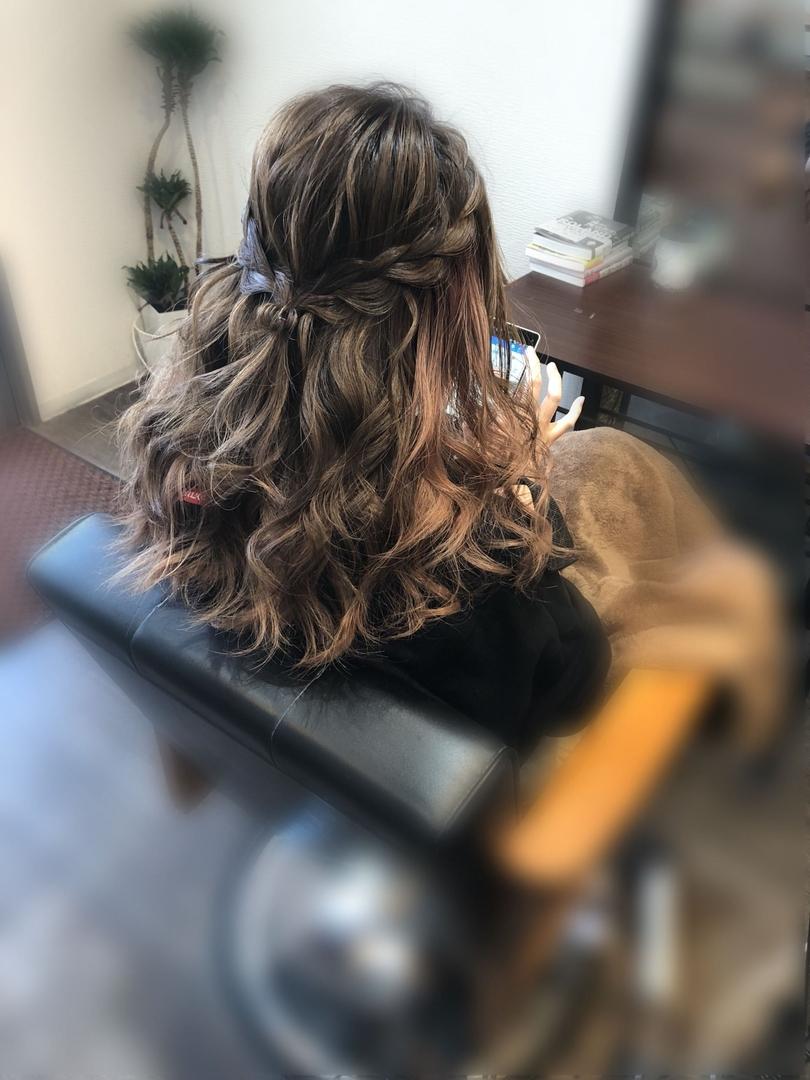 平原さんのヘアスタイルの写真。テーマは『宮崎市ヘアセット、宮崎市、ヘアセット専門店、セットサロン、ヘアセット、ヘアアレンジ、ハーフアップ、ブライダル、ブライダルヘア、結婚式、結婚式ヘアアレンジ、結婚式ヘア、編み込み、宮崎、宮崎市美容室、hairset、宮崎セット、hairarrange、宮崎美容室、宮崎市STELLA、宮崎市セットサロン、編み込みアレンジ、宮崎市成人式、宮崎県、ハーフアップアレンジ、宮崎市セット、アレンジヘア、宮崎市ステラ、宮崎ヘアセット、宮崎市結婚式』
