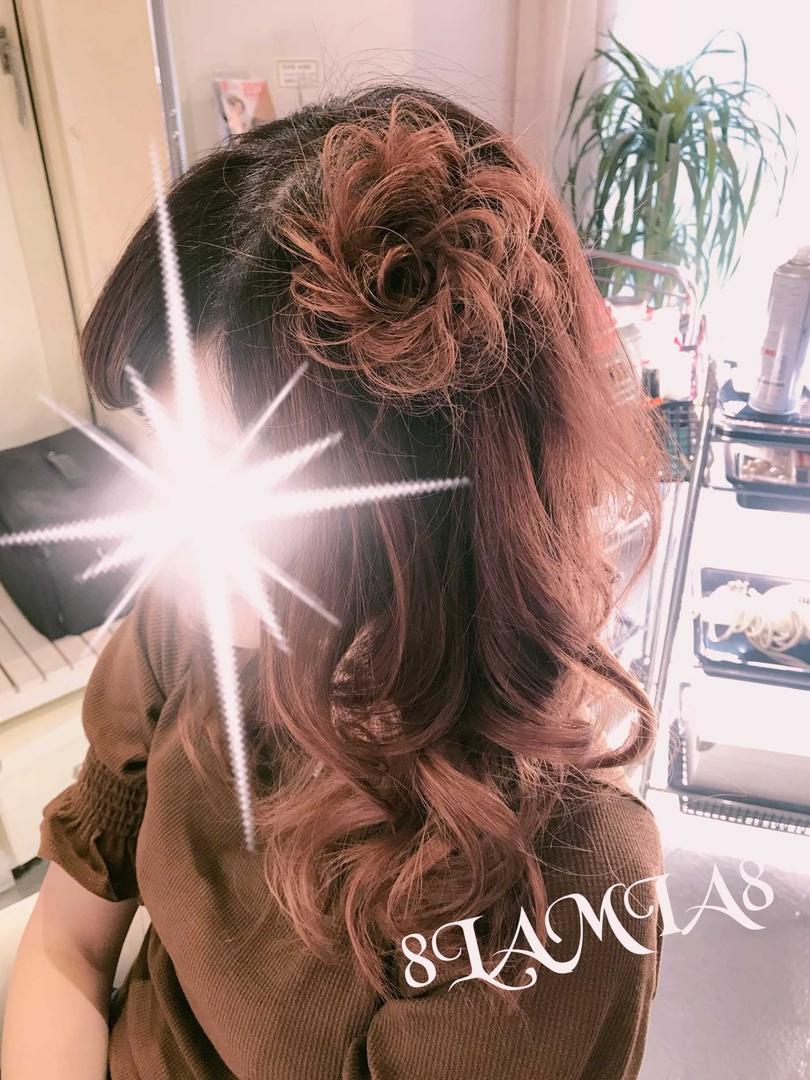 hair&make 8LAMIA8(ラミア)さんのヘアスタイルの写真。テーマは『広島、8LAMIA8、美容院、ヘアカラー、ヘアエクステ、ヘアセット、ヘアアレンジ、メイク、編み込みエクステ、シールエクステ、JHSS広島校、ヘアメイクスクール、24時迄営業の美容室、広島市中区、広島美容室、広島市、ディスコネクション、託児サービス、駐車料金サービス』