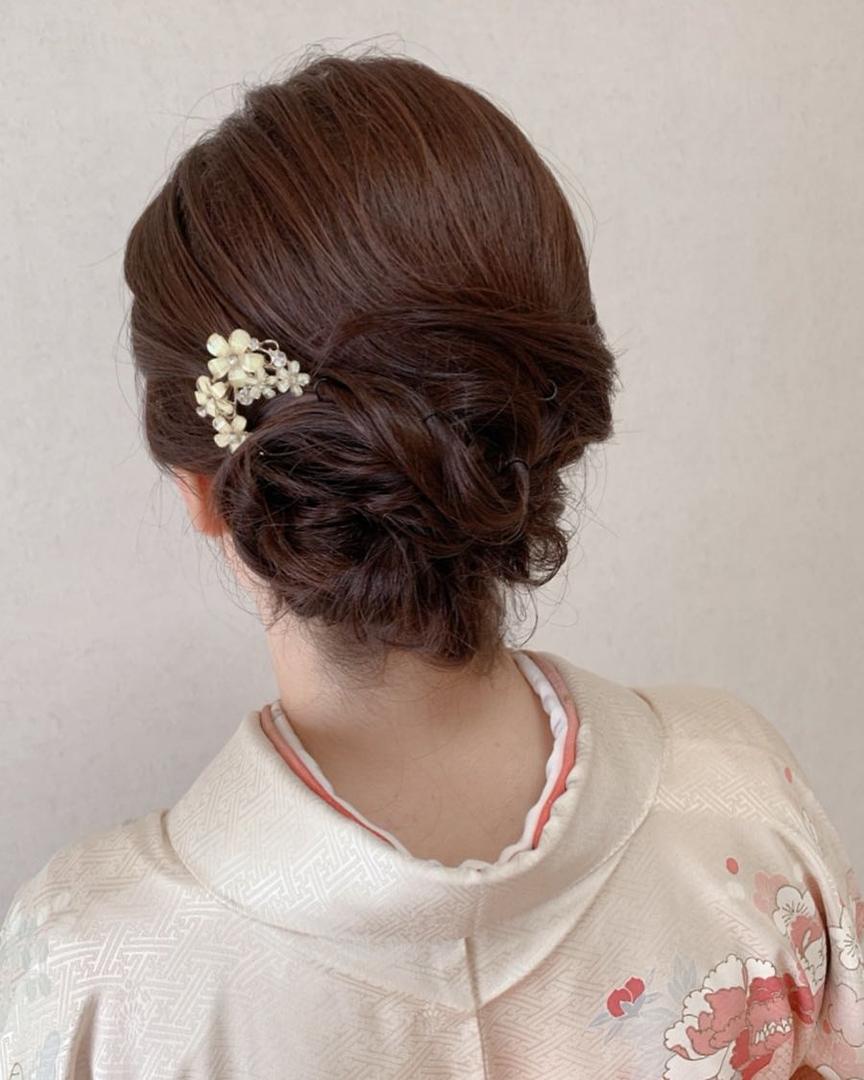Moriyama  Mamiさんのヘアスタイルの写真。テーマは『ボブアレンジ、ミディアム、ミディアムアレンジ、大人スタイル、着物女子、福岡ヘアセット、天神、ヘアアレンジ、ヘアセット、アップスタイル、Threekeys、スリーキーズ、着物、福岡ヘアサロン、ブライダル、結婚式ヘアアレンジ、ブライダルヘア、花嫁、着付け、着物ヘア、和装ヘア、プレ花嫁、ヘアセット専門店、和装ヘアアレンジ、女子会、オトナ女子、着物レンタル、前撮り、結婚式お呼ばれヘア、早朝ヘアセット』