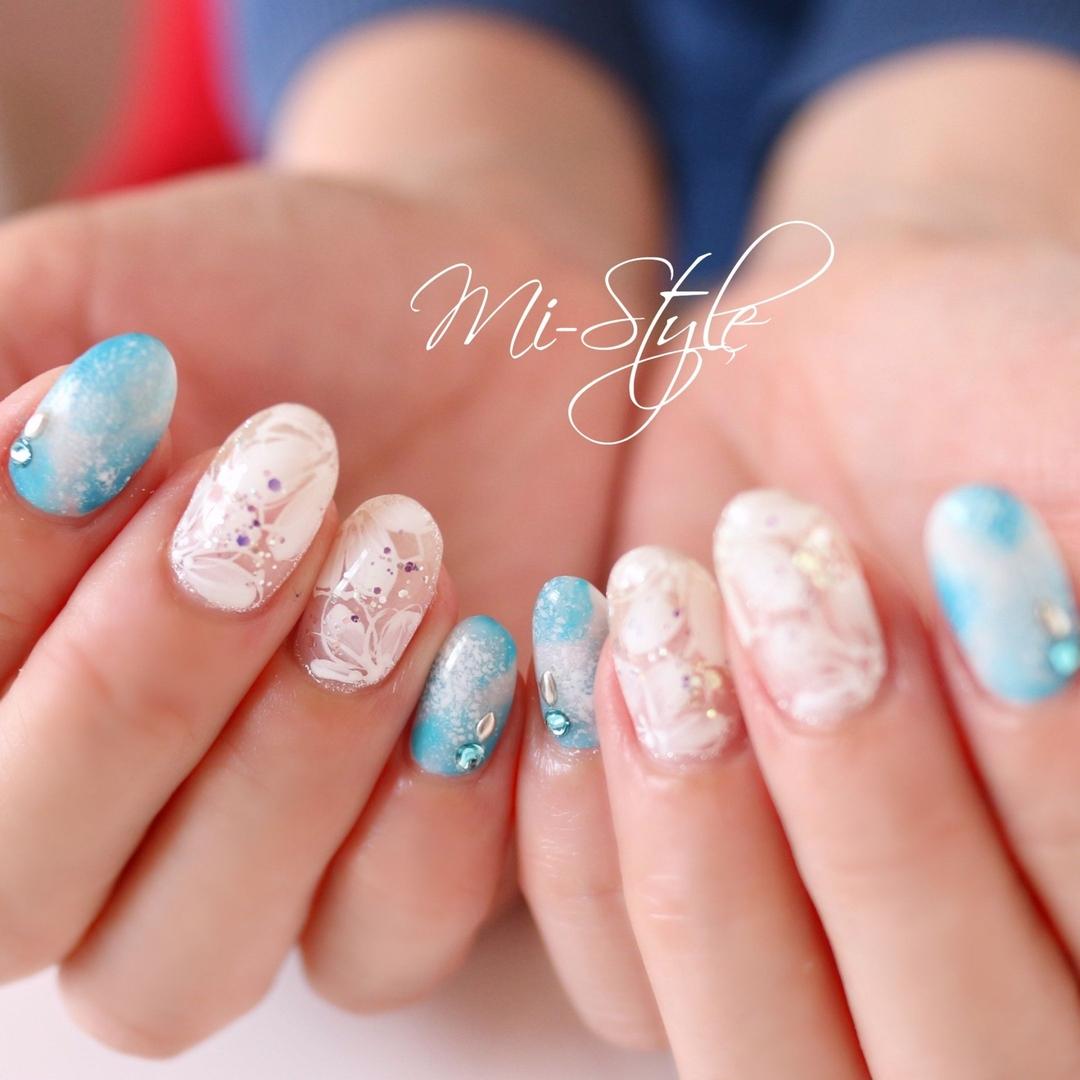 Mieko Hiramatsuさんのネイルデザインの写真。テーマは『花柄ネイル、春ネイルデザイン、スプリングネイル、春ネイル、ホワイトネイル、フラワーネイル、相模原ネイルサロン、淵野辺ネイルサロン、ミースタイル』