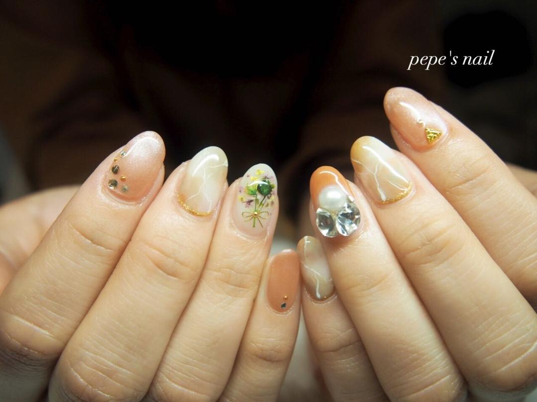 pepe's nailさんの写真。テーマは『pepesnail、nail、nailart、nailstagram、gelnail、nails、paragel、wedding、pregel、vetro、bellaforma、handnail、ネイル、ネイルアート、シンプルネイル、ワイヤーネイル、ドライフラワー、押し花ネイル、ハンドネイル、ウエディングネイル、花嫁ネイル、大理石アート、大理石ネイル、自宅ネイル、大分市、大分市ネイル』