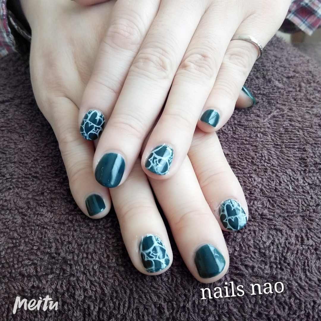 nails naoさんのネイルデザインの写真。テーマは『ワンカラーネイル、ハートネイル』